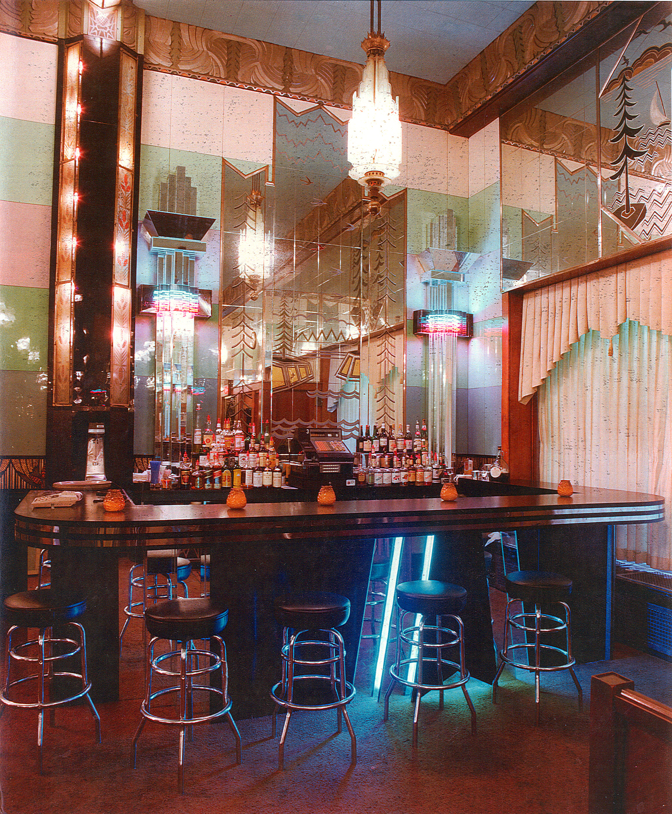 Scotties on Seventh Discotheque in downtown Minneapolis - Interior - Bar